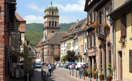 rue de Kaysersberg, ville typiquement alsacienne